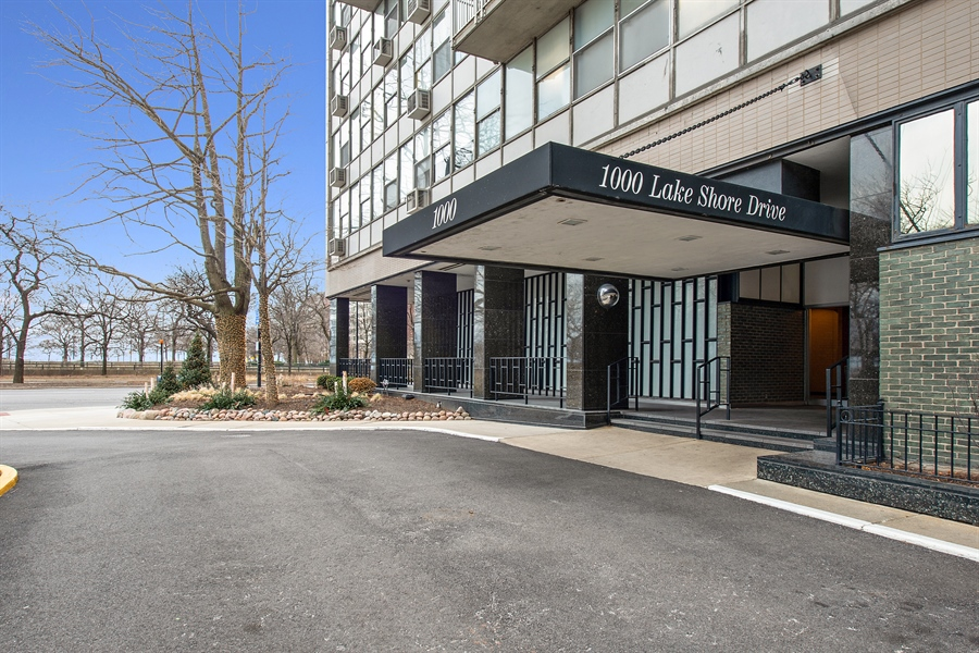 Real Estate Photography - 1000 N Lakeshore, 1501, Chicago, IL, 60611 - Front View