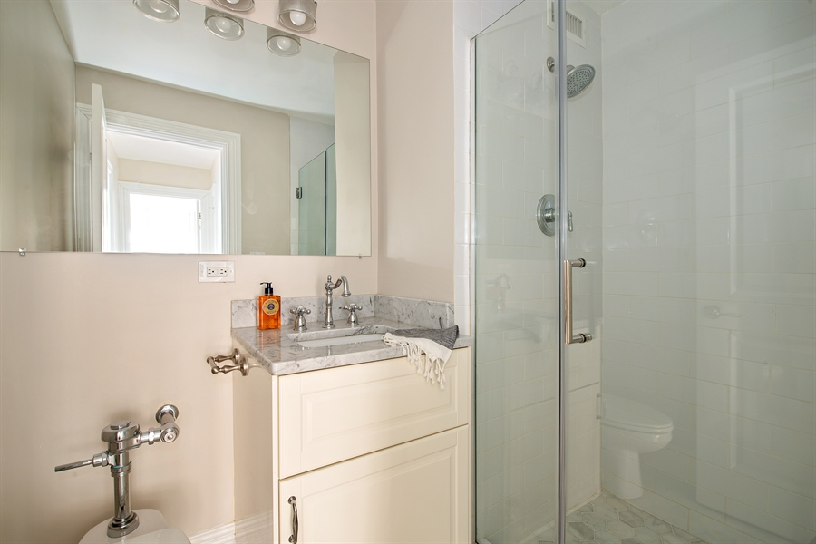 Real Estate Photography - 1000 N Lakeshore, 1501, Chicago, IL, 60611 - Bathroom
