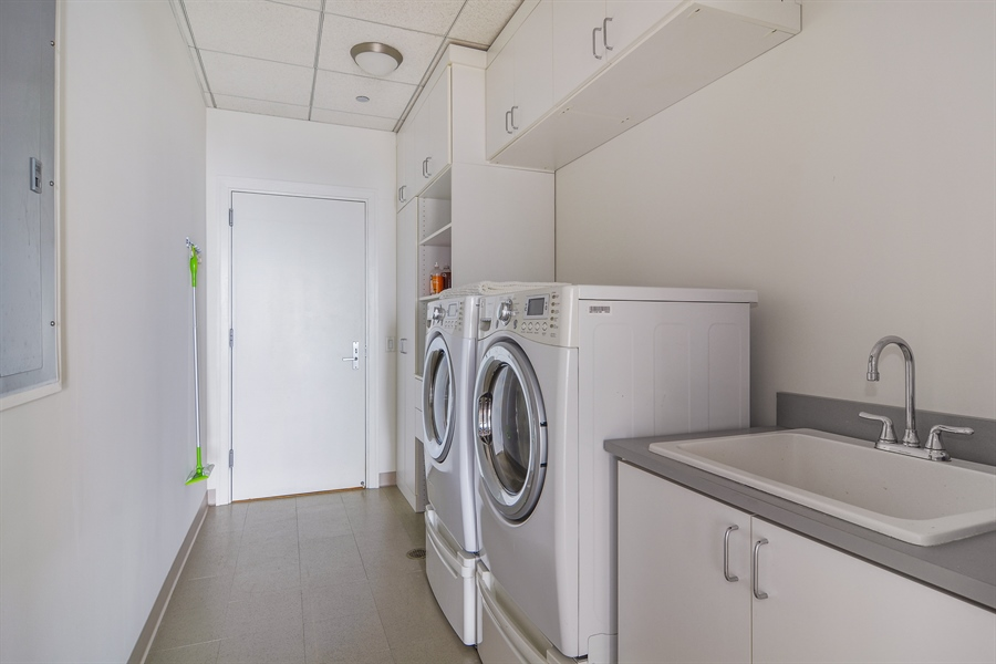 Real Estate Photography - 340 East Randolp, 5803, Chicago, IL, 60601 - Laundry Room