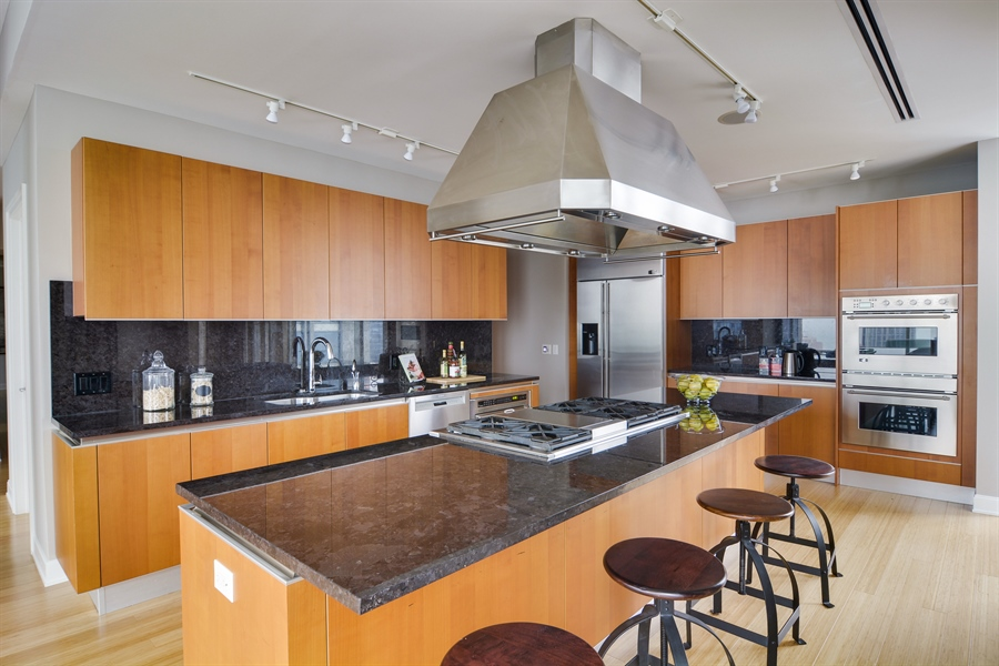 Real Estate Photography - 340 East Randolp, 5803, Chicago, IL, 60601 - Kitchen