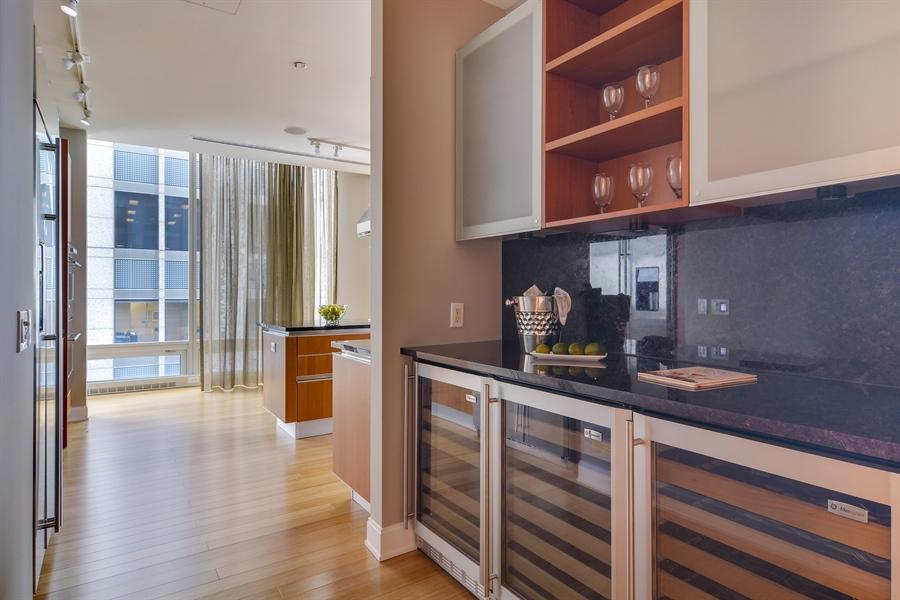 Real Estate Photography - 340 East Randolp, 5803, Chicago, IL, 60601 - Bar