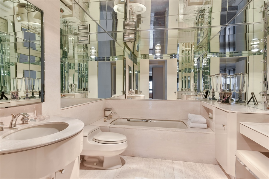Real Estate Photography - 1555 N Astor St, Unit 28e, Chicago, IL, 60610 - Master Bathroom