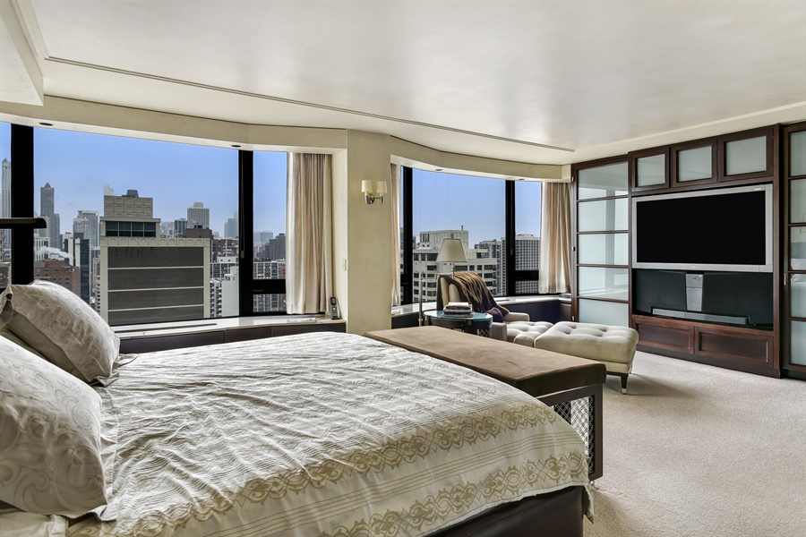 Real Estate Photography - 1555 N Astor St, Unit 28e, Chicago, IL, 60610 - Master Bedroom