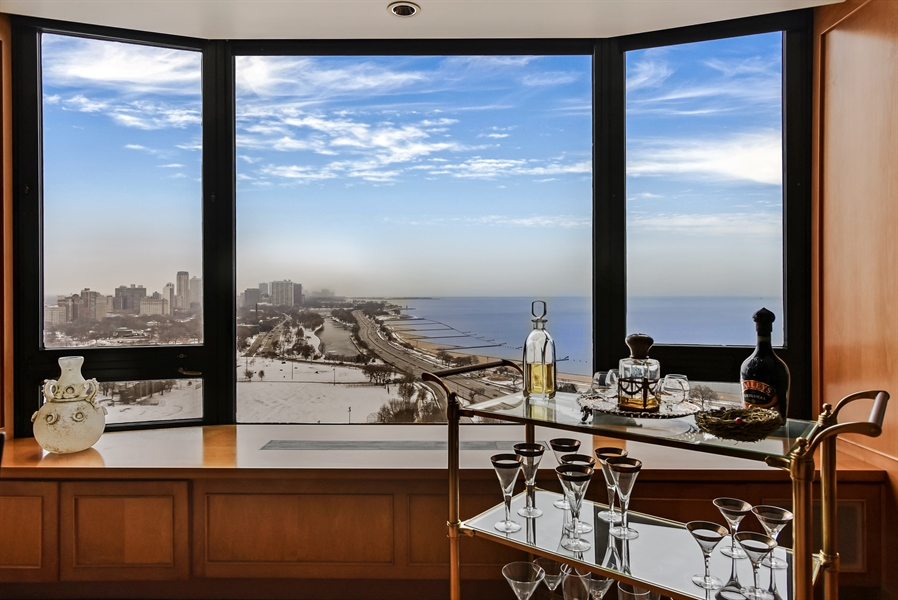Real Estate Photography - 1555 N Astor St, Unit 28e, Chicago, IL, 60610 - Dining Room