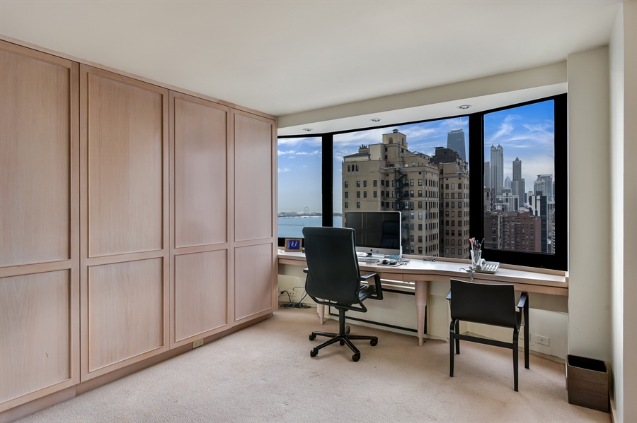 Real Estate Photography - 1555 N Astor St, Unit 28e, Chicago, IL, 60610 - Office