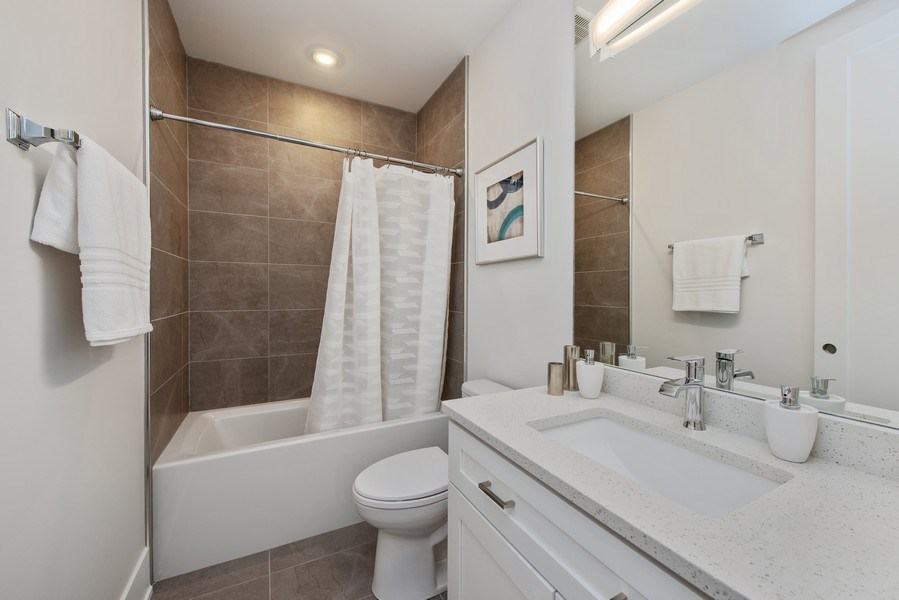 Real Estate Photography - 2751 W Lawrence, 2e, Chicago, IL, 60618 - 2nd Bathroom