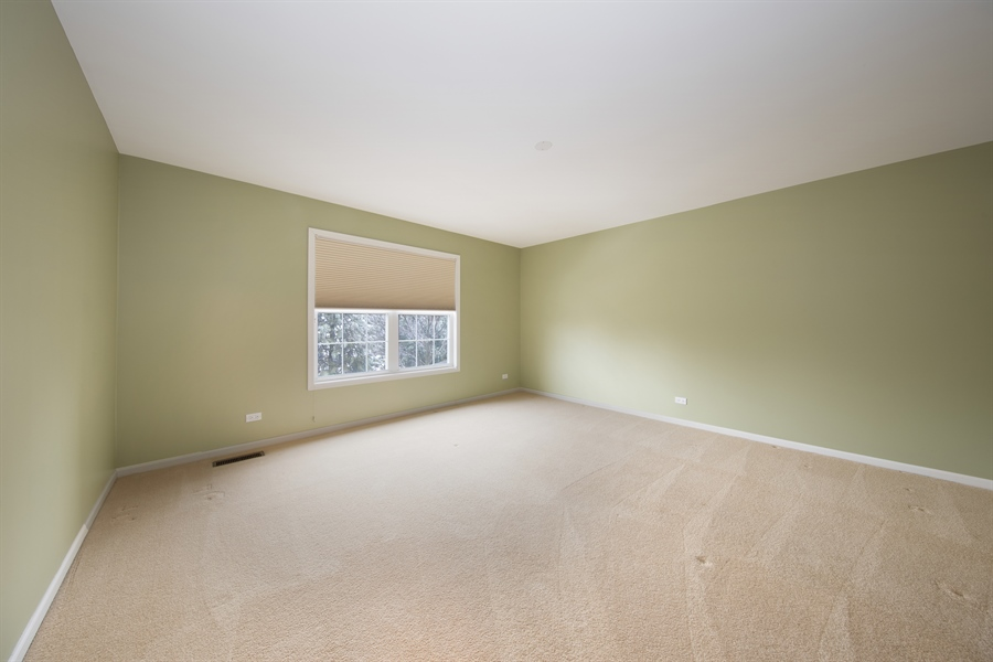 Real Estate Photography - 512 Stone Canyon Cir, Inverness, IL, 60010 - 2nd Bedroom