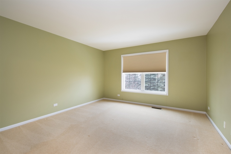 Real Estate Photography - 512 Stone Canyon Cir, Inverness, IL, 60010 - 3rd Bedroom