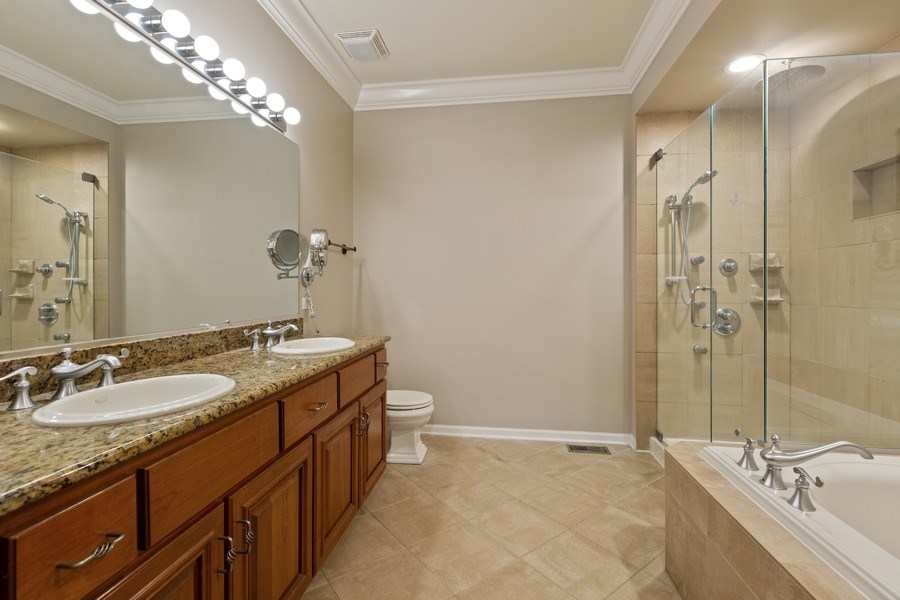 Real Estate Photography - 512 Stone Canyon Cir, Inverness, IL, 60010 - Master Bathroom