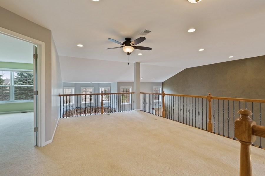Real Estate Photography - 512 Stone Canyon Cir, Inverness, IL, 60010 - Loft
