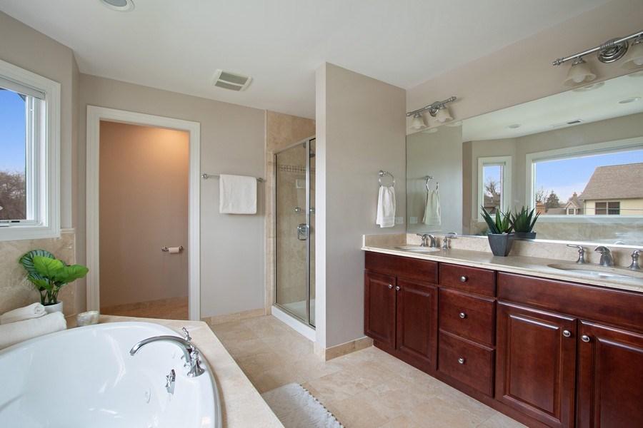 Real Estate Photography - 846 W Brookside St, Palatine, IL, 60067 - Master Bathroom
