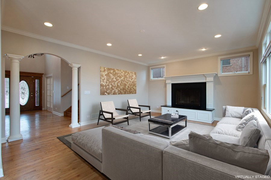 Real Estate Photography - 846 W Brookside St, Palatine, IL, 60067 - Family Room