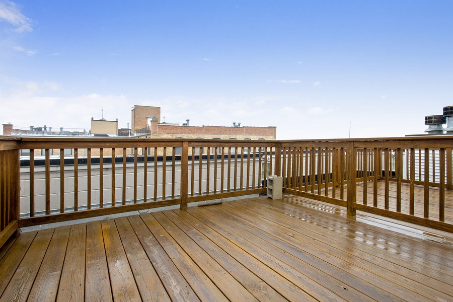 Real Estate Photography - 2352 W Bloomingdale, 3W, Chicago, IL, 60647 - Roof Deck