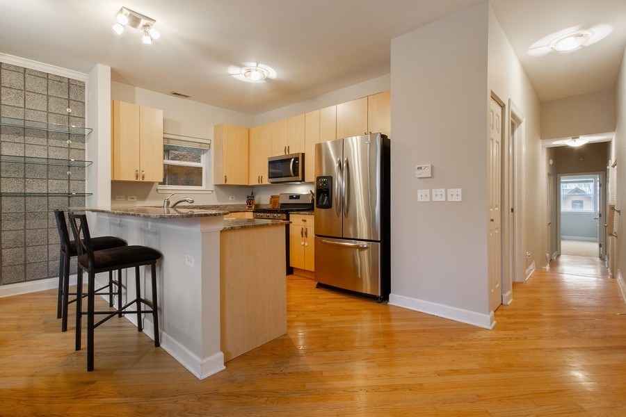 Real Estate Photography - 2352 W Bloomingdale, 3W, Chicago, IL, 60647 - Kitchen
