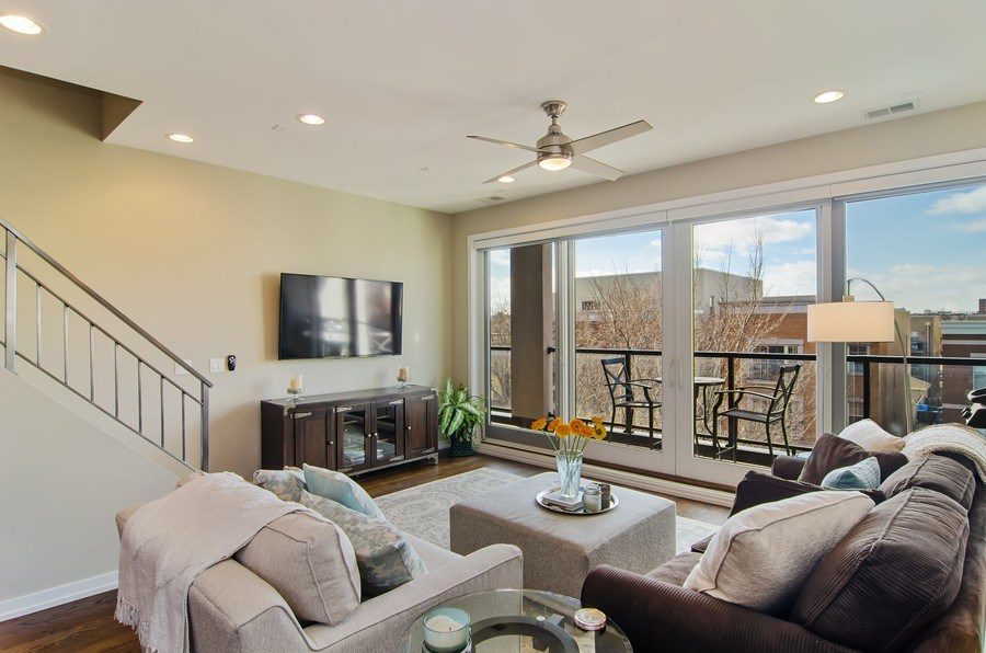 Real Estate Photography - 1033 S Racine, 3NF, Chicago, IL, 60607 - Living Room