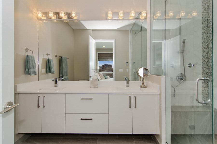 Real Estate Photography - 1033 S Racine, 3NF, Chicago, IL, 60607 - Master Bathroom