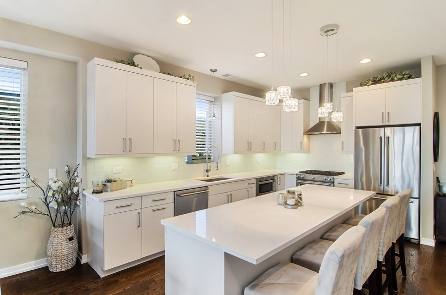 Real Estate Photography - 1033 S Racine, 3NF, Chicago, IL, 60607 - Kitchen