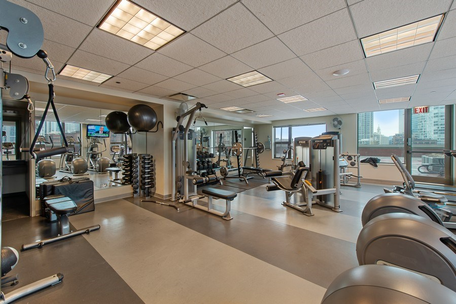 Real Estate Photography - 400 N Clinton, Unit 404, Chicago, IL, 60654 - Gym