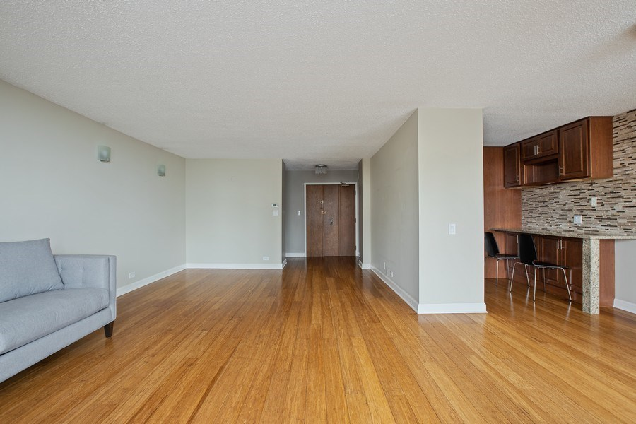 Real Estate Photography - 4170 N Marine Dr, 10L, Chicago, IL, 60613 - Living Room