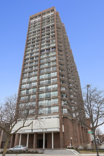 Real Estate Photography - 4170 N Marine Dr, 10L, Chicago, IL, 60613 - Front View