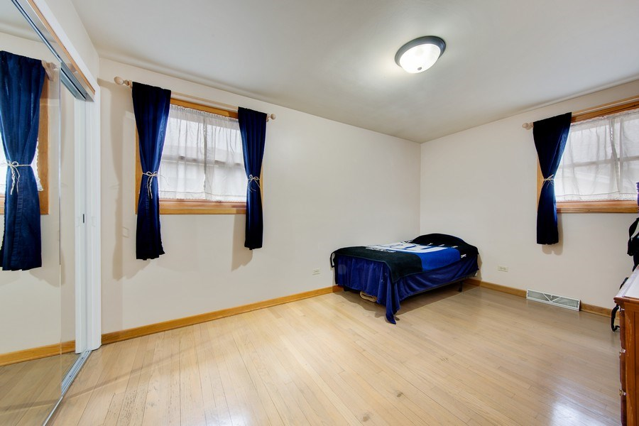 Real Estate Photography - 10132 S Minnick Ave, Oak Lawn, IL, 60453 - 2nd Bedroom