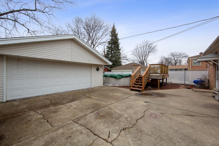 Real Estate Photography - 10132 S Minnick Ave, Oak Lawn, IL, 60453 - Back Yard