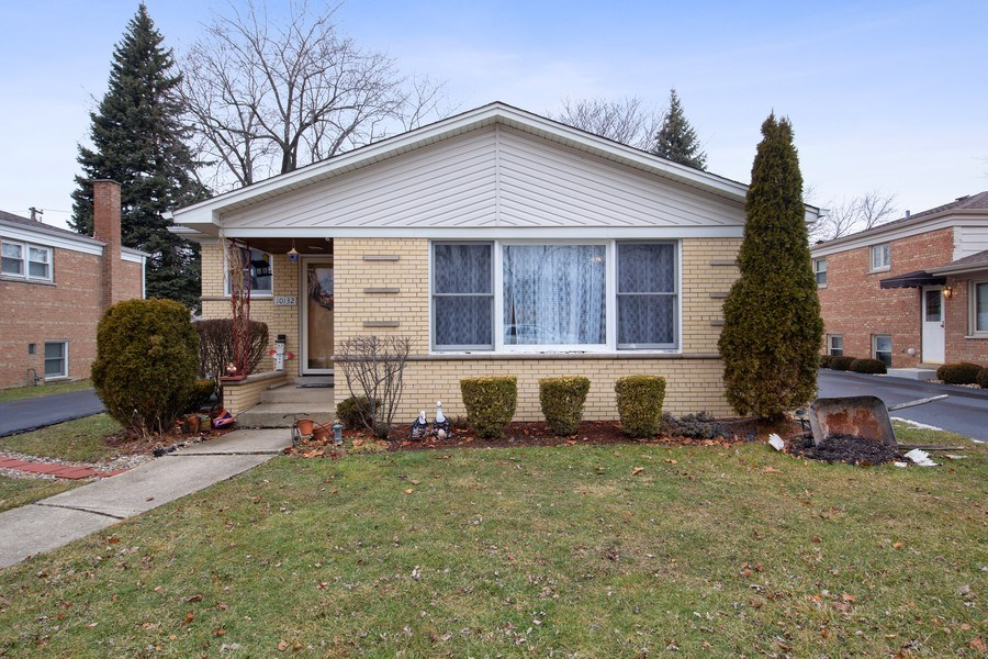 Real Estate Photography - 10132 S Minnick Ave, Oak Lawn, IL, 60453 - Front View