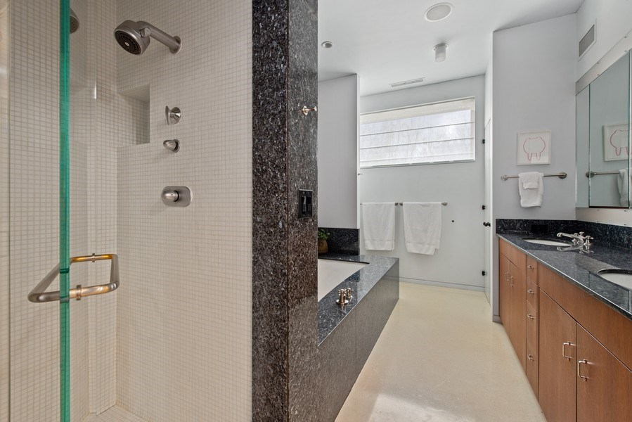 Real Estate Photography - 2517 N Greenview, Chicago, IL, 60614 - Master Bathroom
