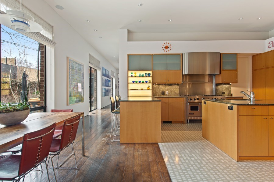 Real Estate Photography - 2517 N Greenview, Chicago, IL, 60614 - Kitchen / Breakfast Room