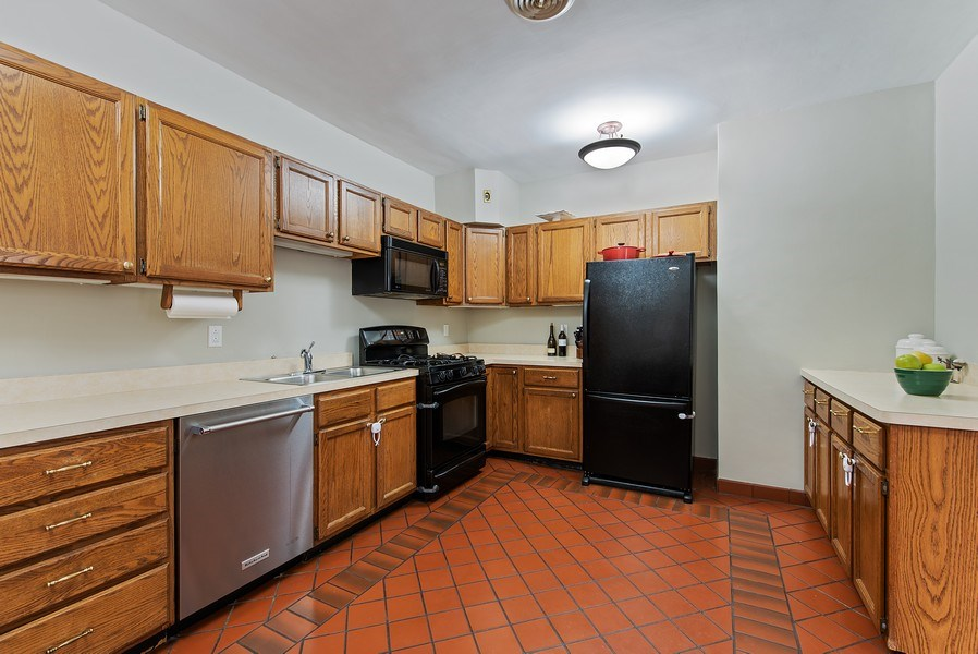 Real Estate Photography - 1316 Maple, A3, Evanston, IL, 60201 - Kitchen