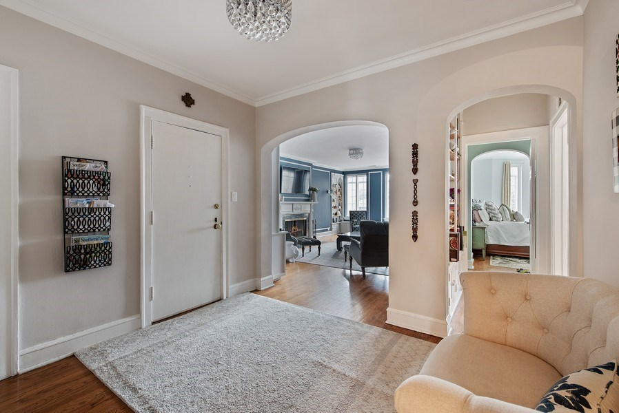 Real Estate Photography - 1316 Maple, A3, Evanston, IL, 60201 - Foyer