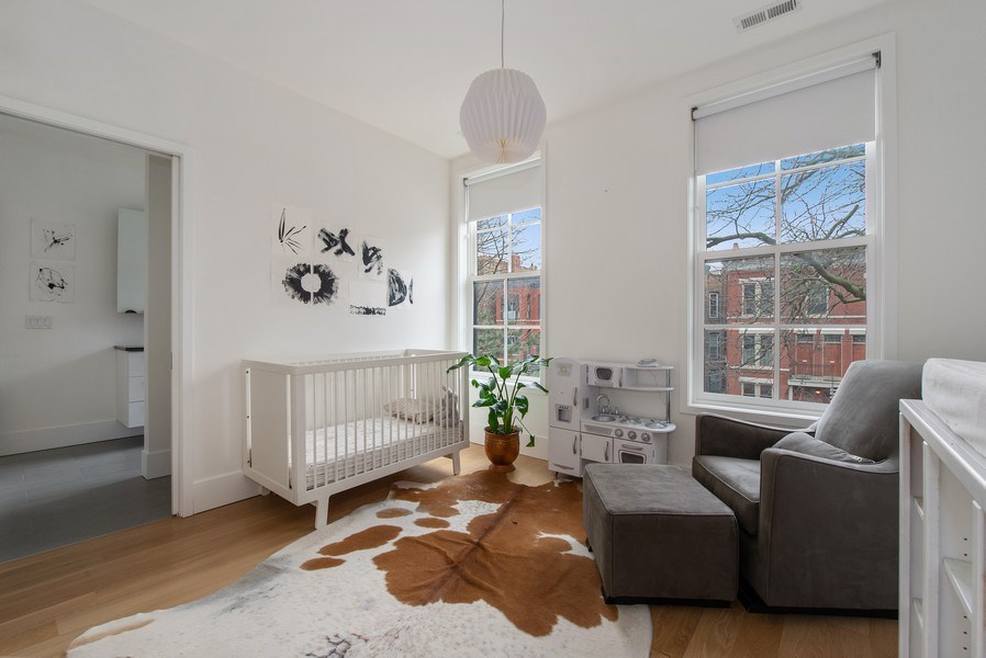 Real Estate Photography - 918 W Webster, CHICAGO, IL, 60622 - 2nd Bedroom
