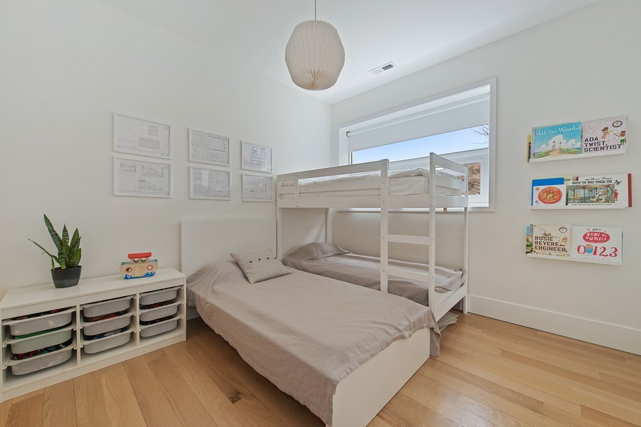 Real Estate Photography - 918 W Webster, CHICAGO, IL, 60622 - 3rd Bedroom