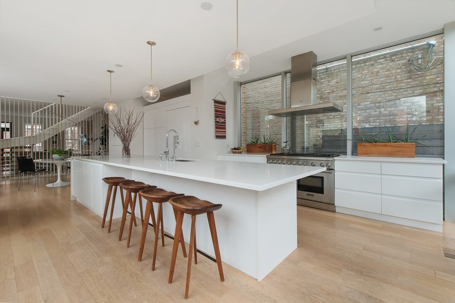 Real Estate Photography - 918 W Webster, CHICAGO, IL, 60622 - Kitchen