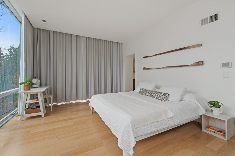 Real Estate Photography - 918 W Webster, CHICAGO, IL, 60622 - Master Bedroom