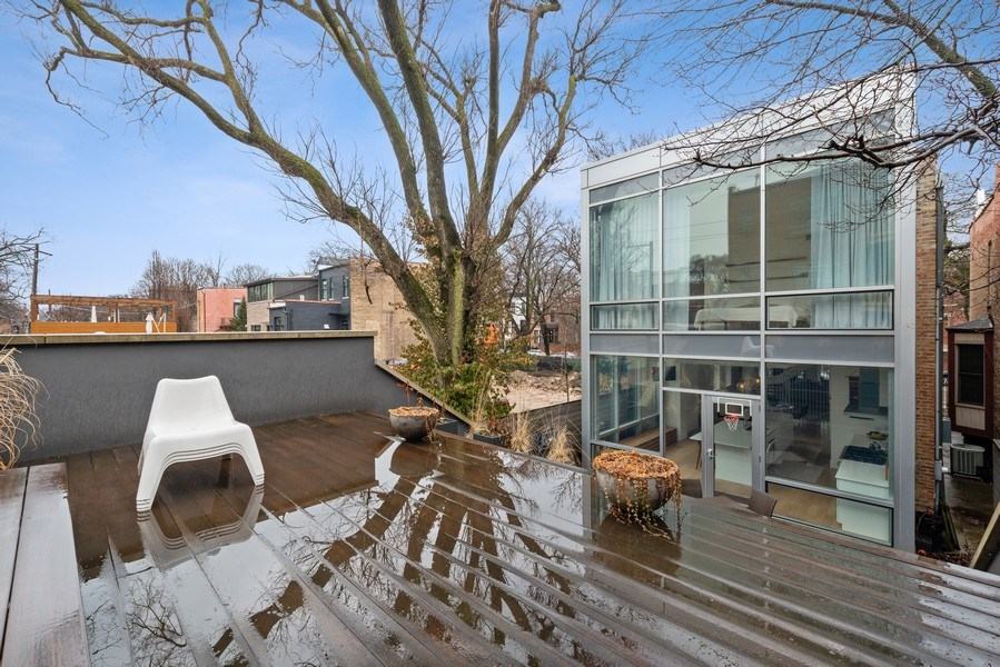 Real Estate Photography - 918 W Webster, CHICAGO, IL, 60622 -