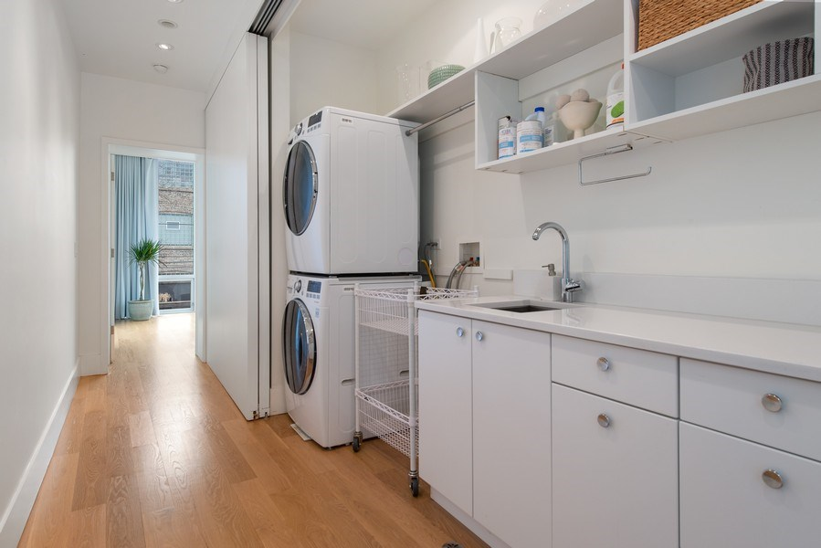 Real Estate Photography - 918 W Webster, CHICAGO, IL, 60622 - Laundry Room