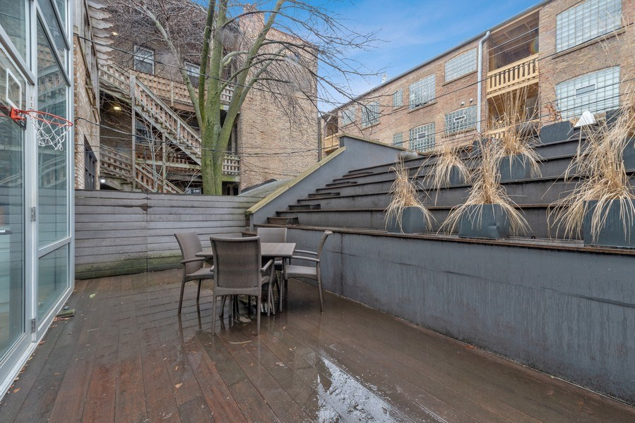 Real Estate Photography - 918 W Webster, CHICAGO, IL, 60622 - Deck
