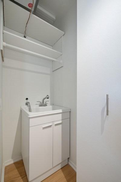 Real Estate Photography - 200 E Delaware Pl, 12D, Chicago, IL, 60611 - Closet