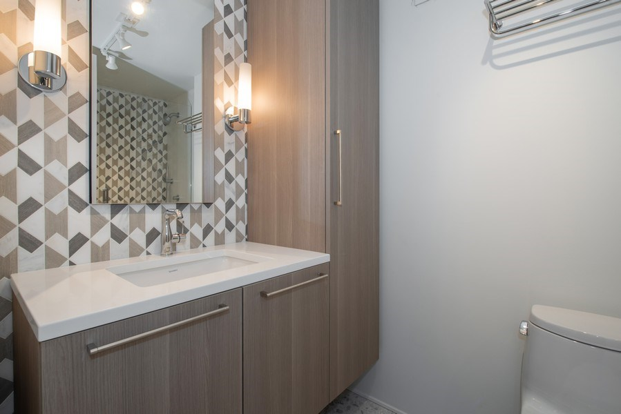 Real Estate Photography - 200 E Delaware Pl, 12D, Chicago, IL, 60611 - 2nd Bathroom