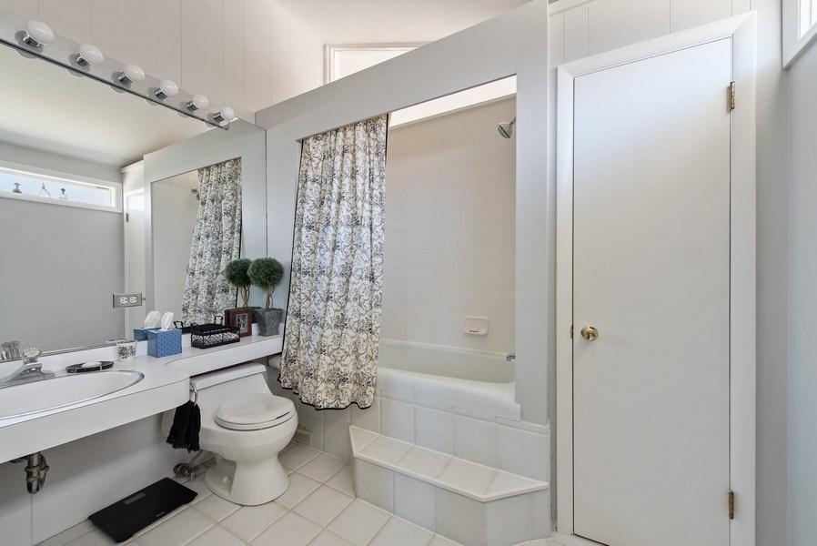 Real Estate Photography - 525 Kin Ct, Wilmette, IL, 60091 - 3rd Bathroom