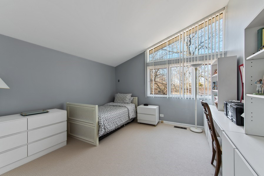 Real Estate Photography - 525 Kin Ct, Wilmette, IL, 60091 - 4th Bedroom