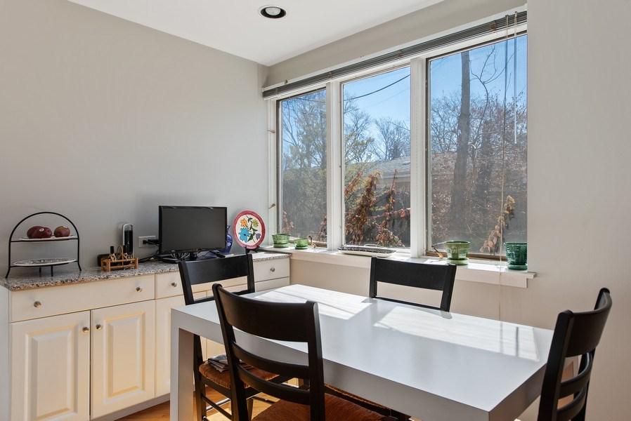 Real Estate Photography - 525 Kin Ct, Wilmette, IL, 60091 - Breakfast Area