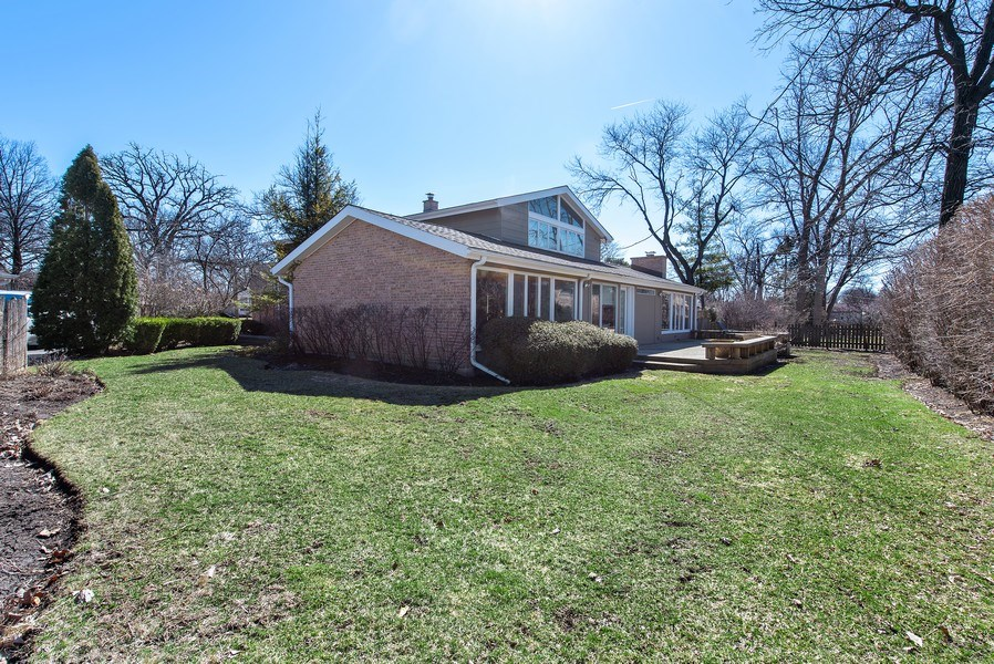 Real Estate Photography - 525 Kin Ct, Wilmette, IL, 60091 - Rear View