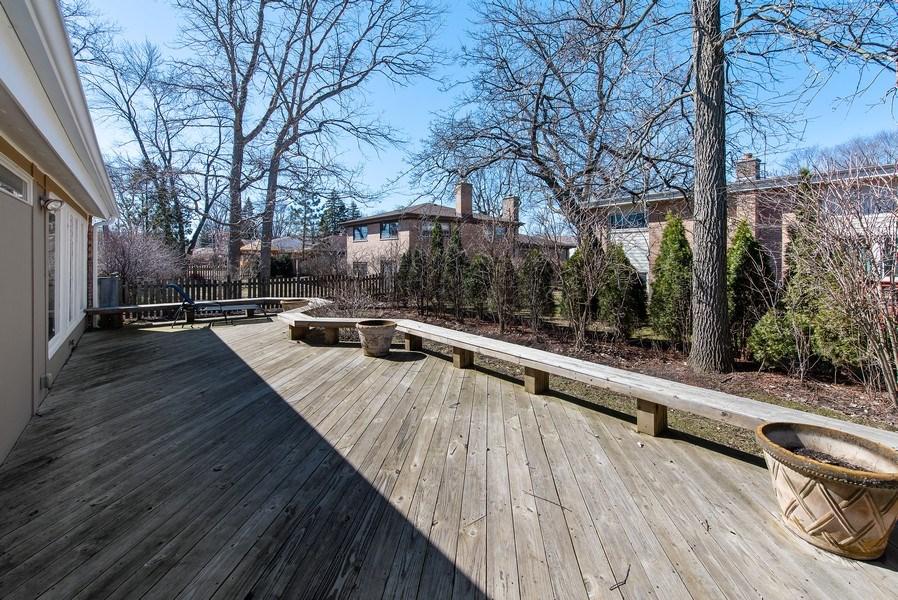 Real Estate Photography - 525 Kin Ct, Wilmette, IL, 60091 - Deck