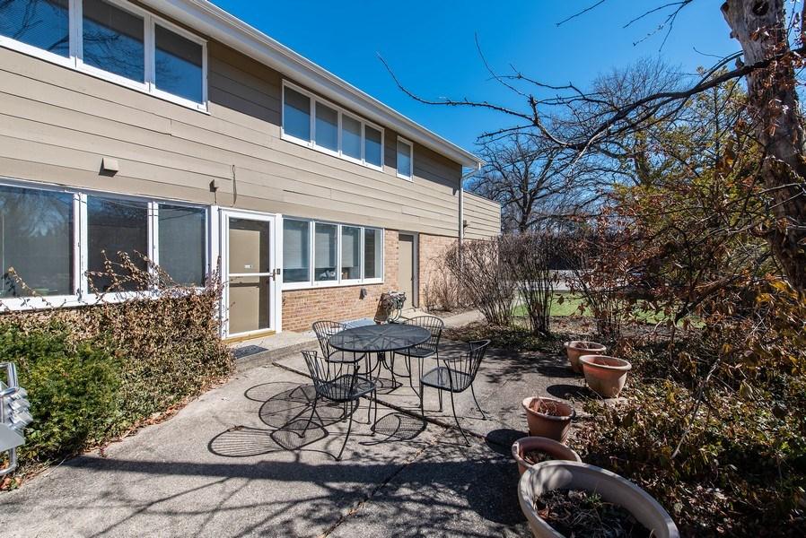 Real Estate Photography - 525 Kin Ct, Wilmette, IL, 60091 - Patio
