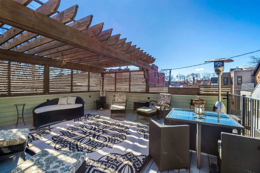Real Estate Photography - 3133 N Hoyne Avenue, Chicago, IL, 60618 - Roof Deck