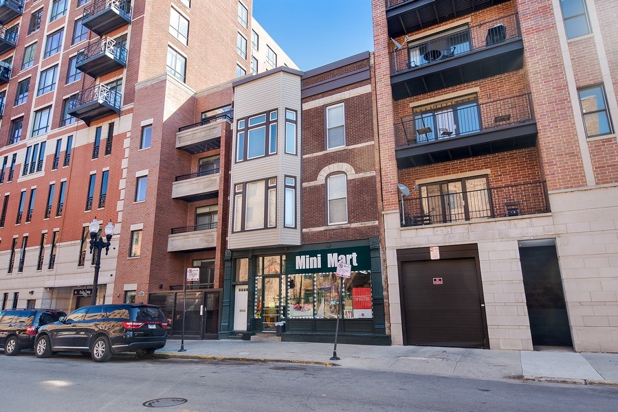 Real Estate Photography - 1435 N Sedgwick, Chicago, IL, 60610 - Front View
