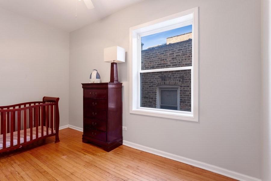 Real Estate Photography - 20 S Austin Blvd, 2, Oak Park, IL, 60304 - 3rd Bedroom
