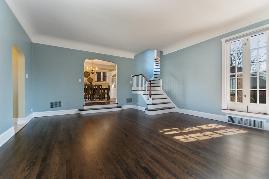 Real Estate Photography - 6033 N Forest Glen, Chicago, IL, 60646 - Living Room